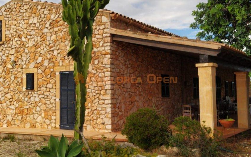 Se alquila bonita finca rústica de arquitectura Mallorquina entre calas de Mallorca y Cala Murada